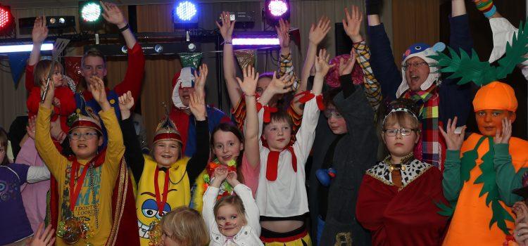 Jong MCC viert carnaval