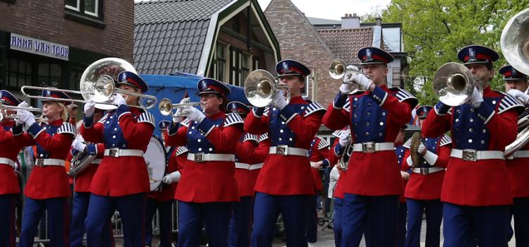 Flashmob en diverse optredens Koningsdag