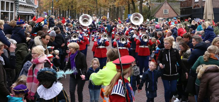 Sinterklaas ook in Laren